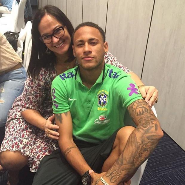 Những hình ảnh chứng tỏ Neymar yêu mẹ vô bờ bến - Ảnh 5.