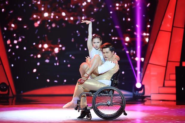 Bước nhảy ngàn cân: Đàm Vĩnh Hưng bênh vực con người thật của Phạm Hương - Ảnh 18.