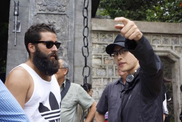 Ngô Thanh Vân khiến fan nở mũi, ghen tỵ khi chụp ảnh cùng diễn viên phim Doctor Strange - Ảnh 3.