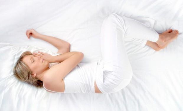 Bạn có đang ngủ sai tư thế và làm thế nào để khắc phục? - Ảnh 3.