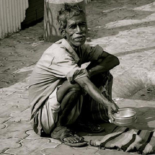 Trong khi bao người nghèo đang chết đói, người ta vẫn vô tư vứt đồ ăn đầy lãng phí - Ảnh 10.