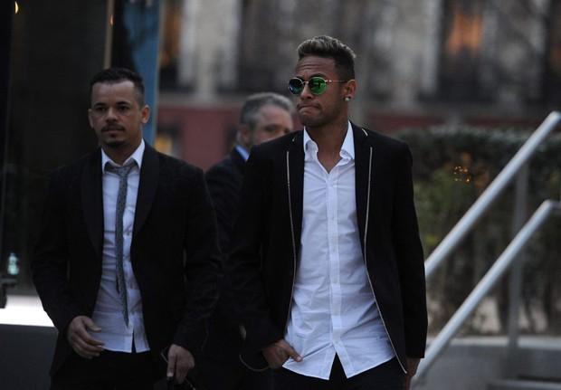 Neymar đối diện với án tù 2 năm vì trốn thuế - Ảnh 3.