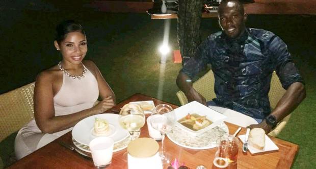 Usain Bolt khoe ảnh nóng của bạn gái sau scandal ăn nằm với cô sinh viên Brazil - Ảnh 1.