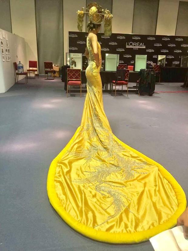 Hoa khôi Nam Em mở màn Tinh khôi - BST cuối cùng của Vietnam International Fashion Week - Ảnh 34.