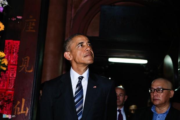 Những hình ảnh ấn tượng nhất của Tổng thống Obama trong 3 ngày ở Việt Nam - Ảnh 11.
