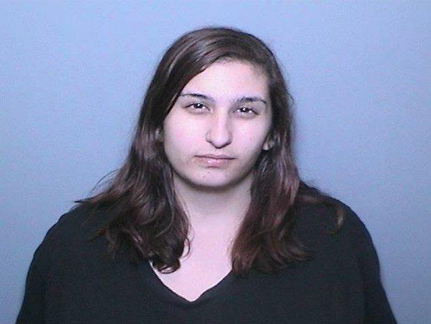 Giả mạo Facebook người yêu cũ, cô gái này đã lâm cảnh tù tội - Ảnh 1.