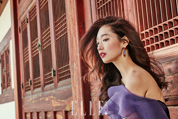 Park Shin Hye đẹp ma mị với suối tóc dài không tưởng, Shin Min Ah sành điệu trên tạp chí - Ảnh 6.