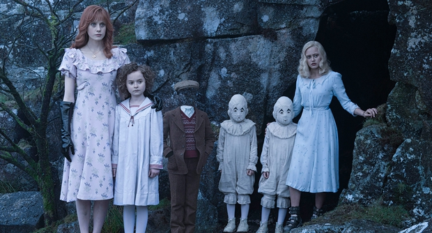 Tim Burton trở lại ngoạn mục với Mái Ấm Kì Lạ của cô Peregrine - Ảnh 4.