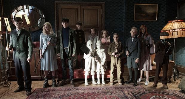 Tim Burton trở lại ngoạn mục với Mái Ấm Kì Lạ của cô Peregrine - Ảnh 3.