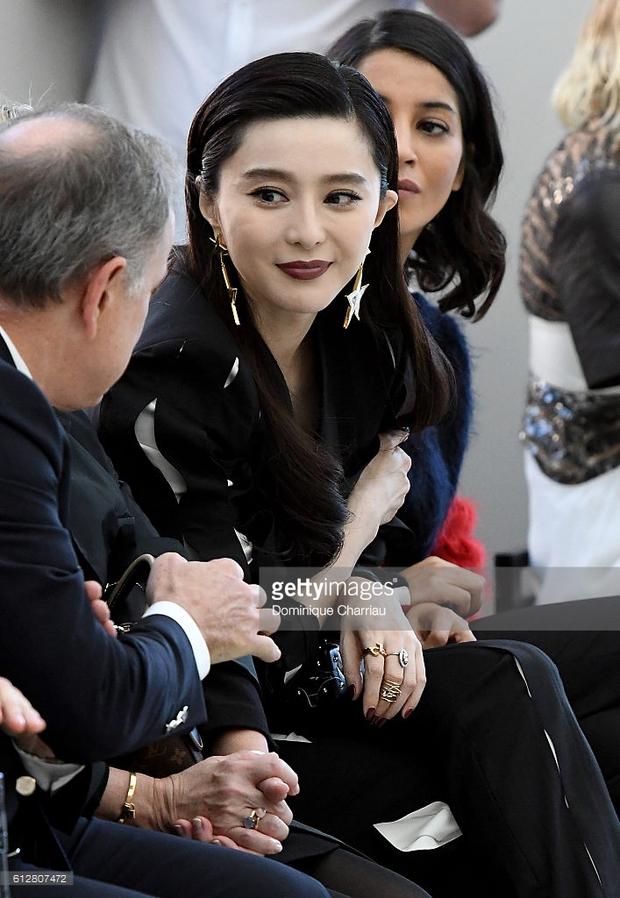 Phạm Băng Băng & Miranda Kerr: Cuộc chiến nhan sắc lẫn phong cách tại show Louis Vuitton - Ảnh 7.