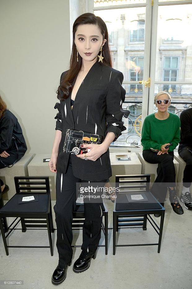Phạm Băng Băng & Miranda Kerr: Cuộc chiến nhan sắc lẫn phong cách tại show Louis Vuitton - Ảnh 8.