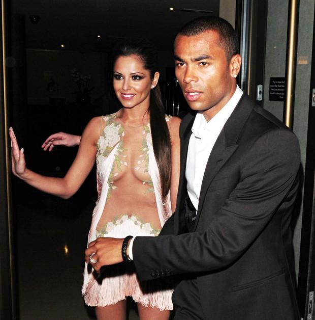 Có muốn Cheryl và Ashley Cole cũng không thể tái hợp ngay lập tức - Ảnh 3.
