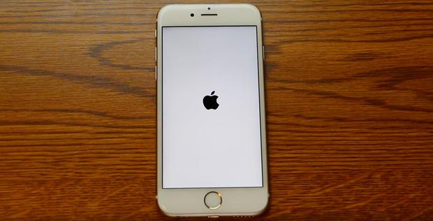 Đừng chỉnh iPhone của bạn thân về ngày 1/1/1970, nó sẽ thành cục gạch - Ảnh 1.
