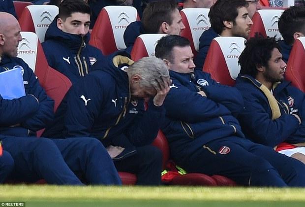 Ra mặt ủng hộ Wenger, Beckham bị chửi thậm tệ - Ảnh 1.