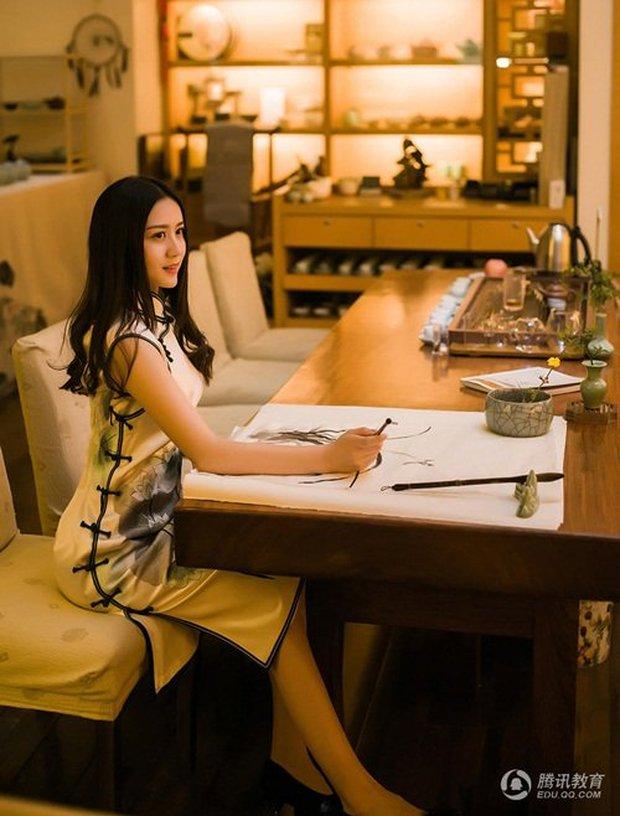 4 nữ giáo viên được hâm mộ nhất châu Á vì quá xinh đẹp - Ảnh 27.