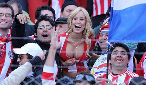 Copa America 2016: Vũ điệu sexy thiêu đốt khán đài - Ảnh 1.