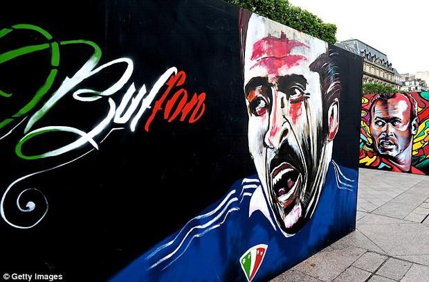 11 cầu thủ vĩ đại nhất lịch sử Euro qua nét vẽ nghệ thuật graffiti - Ảnh 1.