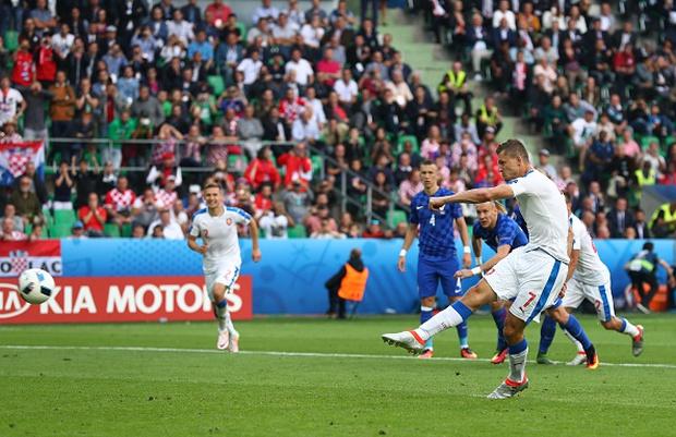 CH Czech 2-2 Croatia: Kịch tính tới phút chót - Ảnh 9.