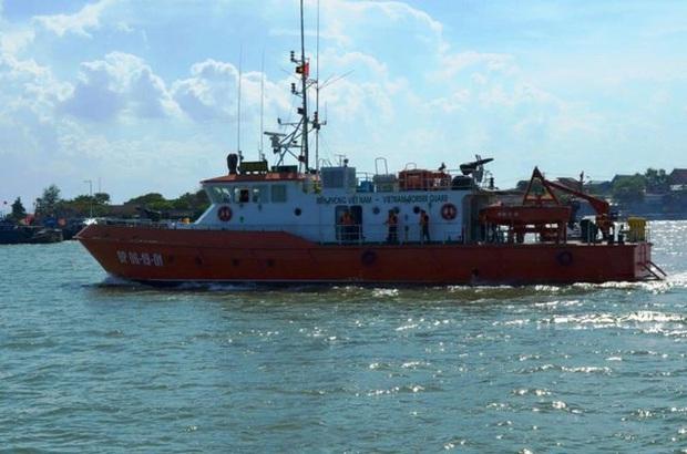 Đã đưa thi thể phi công Trần Quang Khải vào bờ - Ảnh 12.
