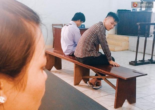 Tòa tuyên phạt hai thanh niên cướp bánh mì 8 - 10 tháng tù - Ảnh 10.