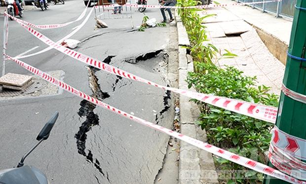 Hố tử thần lại xuất hiện trên đường phố Sài Gòn - Ảnh 1.
