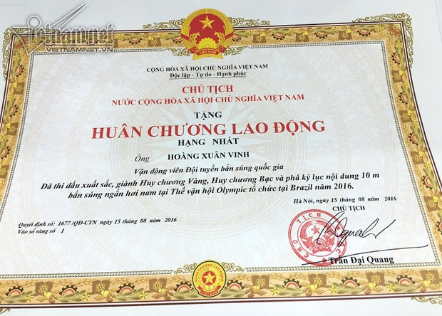 Hoàng Xuân Vinh được Chủ tịch nước tặng Huân chương Lao động hạng Nhất - Ảnh 1.