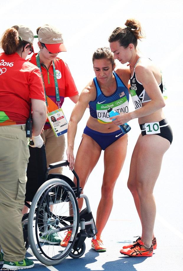 Nhân vật chính của câu chuyện cảm động nhất Olympic được trao danh hiệu cao quý hơn cả tấm HCV - Ảnh 3.