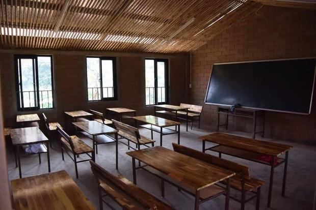 2 năm trước GS Ngô Bảo Châu dạy học trên nền đất, 2 năm sau nơi ấy đã là lớp học khang trang - Ảnh 5.