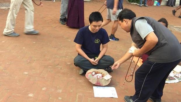 Chàng trai Việt giả ăn xin ở Nepal: Khi đặt nhu cầu hưởng thụ xuống thấp, cuộc sống sẽ đơn giản và dễ chịu hơn - Ảnh 1.