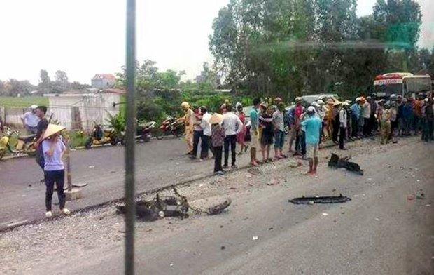 Xe điên lấn làn tông chết hai nữ sinh trên đường đi học về - Ảnh 1.