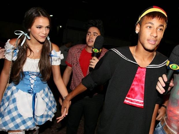 Neymar bị phát hiện đi ăn trưa với bạn gái cũ - Ảnh 5.