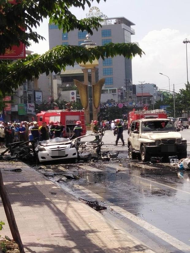 Xe ô tô nổ kinh hoàng giữa thành phố Cẩm Phả, 2 người thiệt mạng - Ảnh 6.