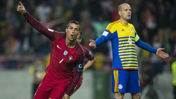 Ronaldo giờ chỉ bắt nạt đối thủ yếu hơn Việt Nam? - Ảnh 1.