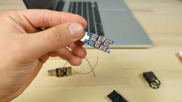 Thử nghiệm với USB sát thủ: iPhone 7 Plus và Samsung Galaxy Note7 – cái nào sẽ nổ trước? - Ảnh 1.