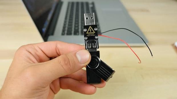Thử nghiệm với USB sát thủ: iPhone 7 Plus và Samsung Galaxy Note7 – cái nào sẽ nổ trước? - Ảnh 2.