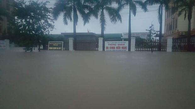 Quảng Bình: 8 người chết và mất tích, gần 27.000 hộ dân bị ngập do mưa lũ - Ảnh 9.