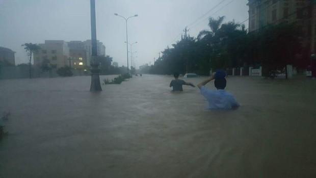 Quảng Bình: 8 người chết và mất tích, gần 27.000 hộ dân bị ngập do mưa lũ - Ảnh 4.