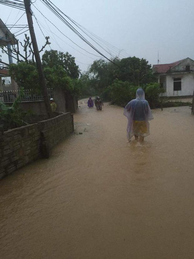Quảng Bình: 8 người chết và mất tích, gần 27.000 hộ dân bị ngập do mưa lũ - Ảnh 8.