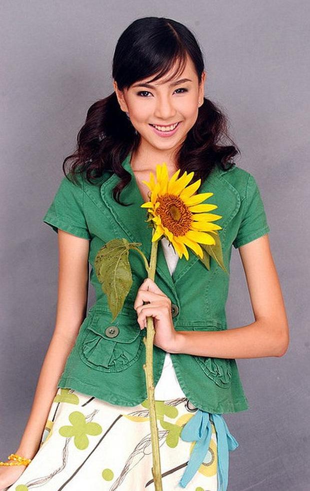 Hot girl Hà Thành đời đầu: Người viên mãn, người lại lận đận tình duyên - Ảnh 1.