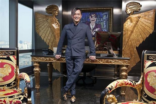 Ngỡ ngàng nhan sắc lệch pha của vợ chồng tỷ phú giàu nhất Macau - Ảnh 1.