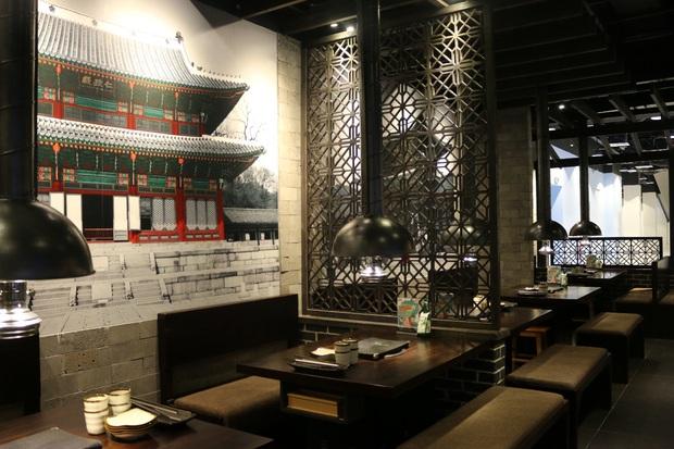 Khu ẩm thực không thể bỏ qua khi tới sân bay Tân Sơn Nhất - Ảnh 2.