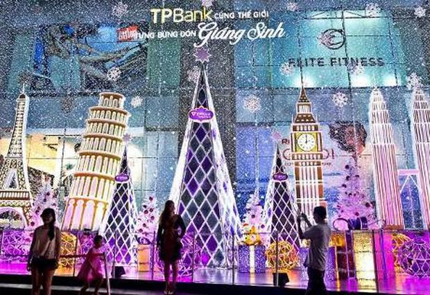 """Mùa Giáng sinh 2016: Những địa điểm """"sống ảo"""" và """"vợt quà"""" không thể bỏ qua - Ảnh 2."""