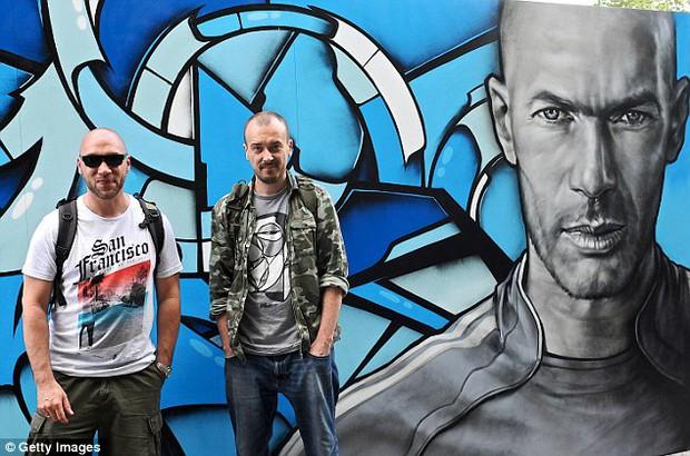 11 cầu thủ vĩ đại nhất lịch sử Euro qua nét vẽ nghệ thuật graffiti - Ảnh 8.