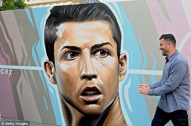 11 cầu thủ vĩ đại nhất lịch sử Euro qua nét vẽ nghệ thuật graffiti - Ảnh 9.