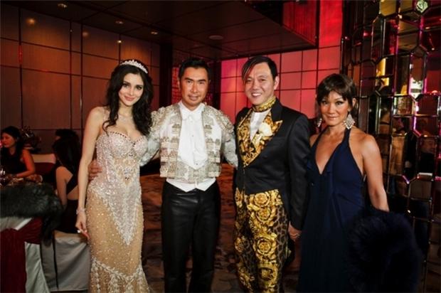 Ngỡ ngàng nhan sắc lệch pha của vợ chồng tỷ phú giàu nhất Macau - Ảnh 12.