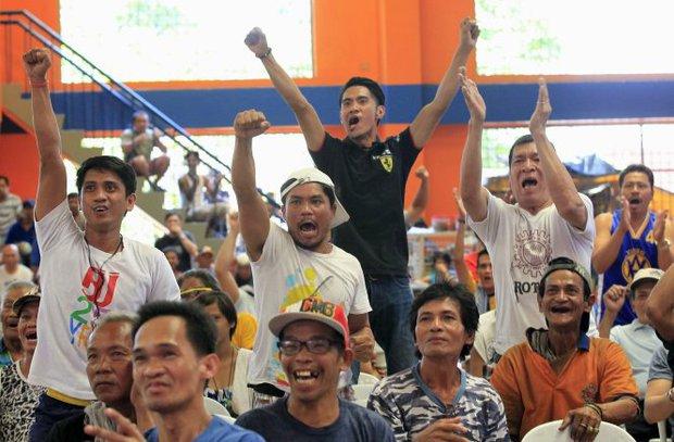 Dân Philippines vui vì Pacquiao thắng, buồn vì anh giải nghệ - Ảnh 2.