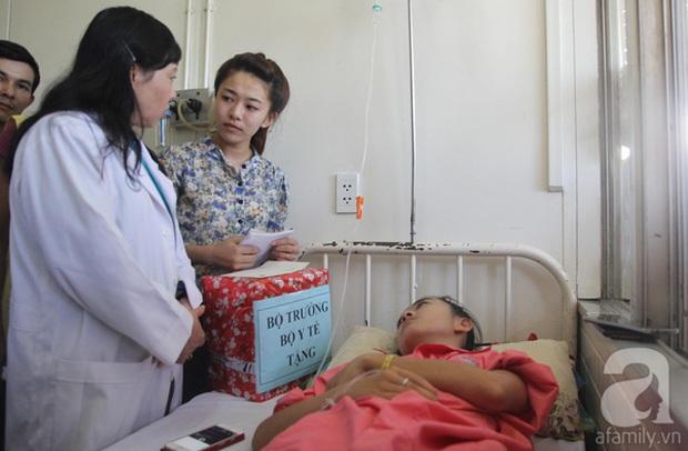 Gia đình nữ sinh bị cưa chân nói gì sau kết luận đúng quy trình của sở Y tế Đắk Lắk? - Ảnh 2.