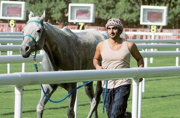 Hé lộ bi kịch khiến hoàng tử tỷ phú Dubai vạn người mê đoản mệnh ở tuổi 33 - Ảnh 2.