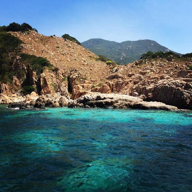 Tất tật những điều cần biết để khám phá Vĩnh Hy - 1 trong 4 vịnh đẹp nhất Việt Nam - Ảnh 3.