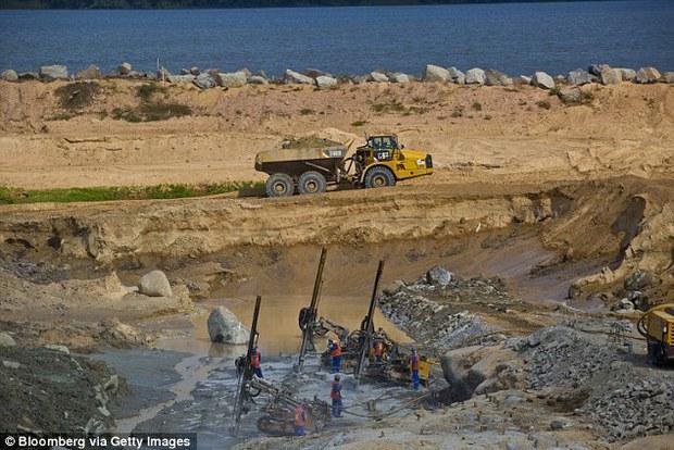Brazil: bắt được ông trăn khổng lồ nặng gần nửa tấn, dài 10m  - Ảnh 4.